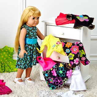 Doll Closet: Apparel & Accessories