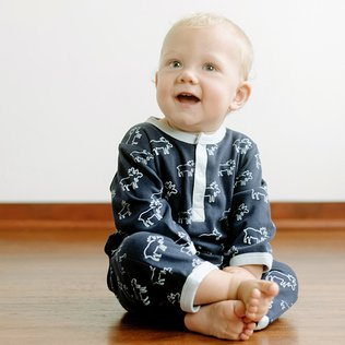 Earth's Goodness: Organic Babywear
