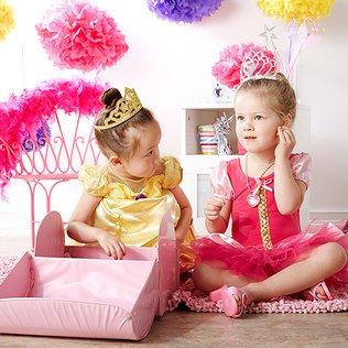 Princess Play: Girls' Dress-Up