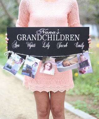 'Grandchildren' Personalized Sign