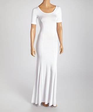 American Twist White Classic Scoop Neck Maxi Dress