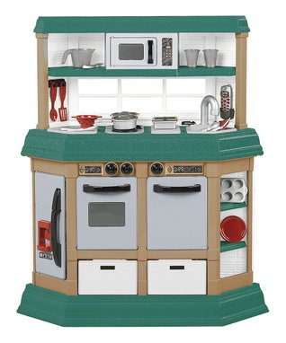 American Plastic Toys Cookin' Kitchen & Accessory Set