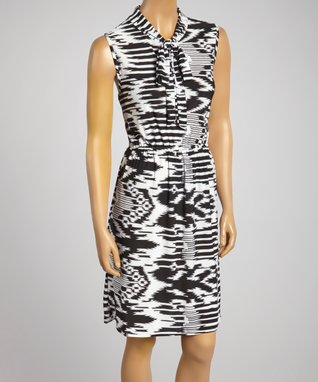 Sasha Apparel Black & White Abstract Sleeveless Dress