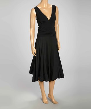 Luna Luz Black Sleeveless V-Neck Dress