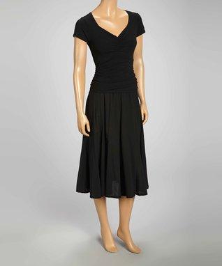 Luna Luz Black Cap-Sleeve V-Neck Dress