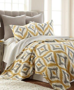 Amya Yellow Quilt Set