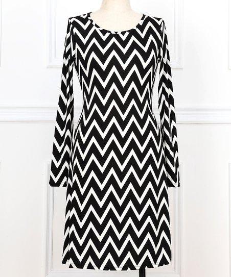 Black & White Zigzag Scoop Neck Dress - Plus