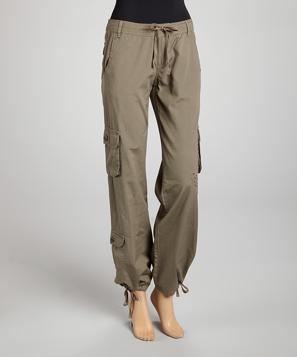 Model Cargo Pants For Women Are Accessible In Various Colors Yet The Prevalent Ones Are The Same Trousers, Khaki, Khaki Armed Force, And Wrangler With These Decisions, You Can Utilize The Ideal Shade Relying Upon How You Plan To Wear The